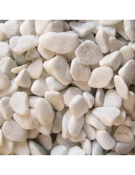 Der Marmorkies verleiht dem Wasser einem einzigartigem Geschmack wie Bergwasser